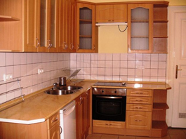 FOR RENT: Erzsébet krt 94 sqm, 7th disrict, Budapest