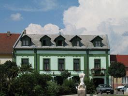 Gyula Aranykereszt Hotel