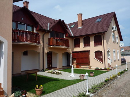 Szállás Gyula Kavics Apartman