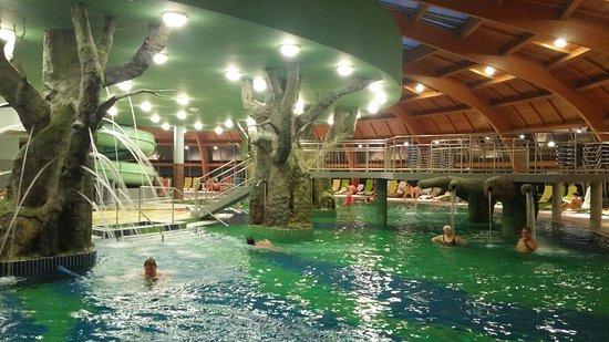Aqua Palace Hungarospa Hajdúszoboszló élményfürdő wellness