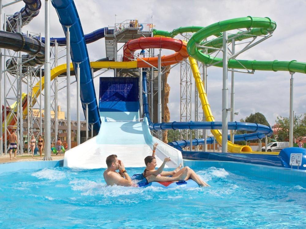 Hajdúszoboszló Aquapark Hungarospa csúszdázás spa