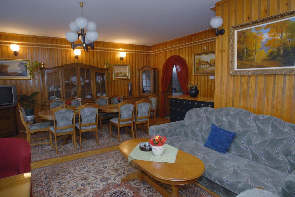 Hajdúszoboszló Angyal Vendégház és Tokaji Borozó