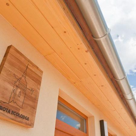 Irota szállás - EcoLodge erdőre néző üdülőház