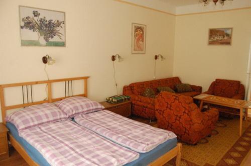Nyíregyháza-Sóstófürdő Piroska Vendégház