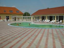 Szeleste Festetich Kastélyszálló*** és Zsuzsanna Hotel*** és étterem